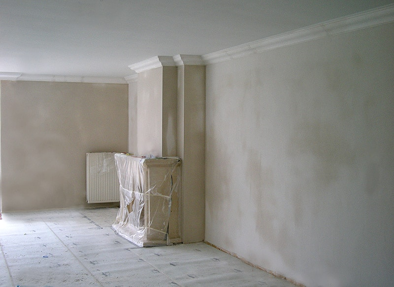 Badkamer Plafond Schilderen : Na het stucadoren en droging van het ...