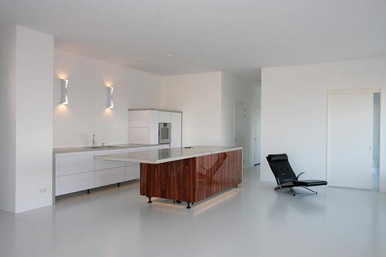 Keuken Verven Kosten : Deze wanden en plafonds hebben wij netjes gespoten in een zacht-gele